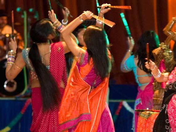 dandiya-raas-in-navratri_1401324_std